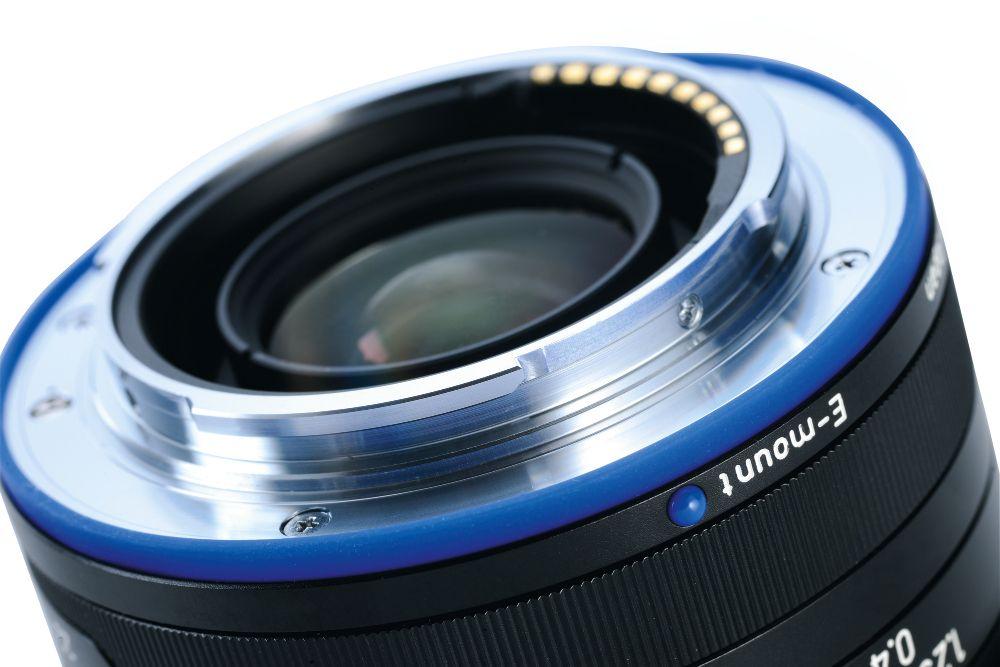Zeiss 35mm F2 Loxia Biogon T* E-mount lens info